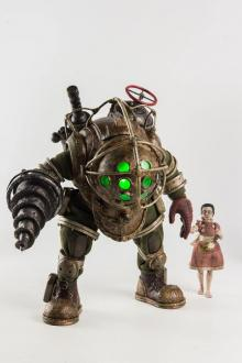 BioShock Action Figure 2-Pack 1/6 Big Daddy & Little Sister 32 cm