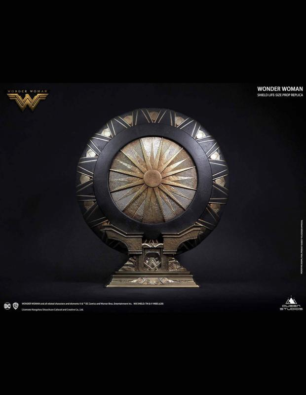 Wonder Woman Life-Size Replica Wonder Woman Shield Regular Edition 58 cm