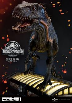 Jurassic World: Fallen Kingdom Statue 1/6 Indoraptor 101 cm