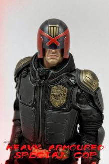 Judge Dredd (Heavy Armoured Cop) 1/6 Scale Figure 30 cm