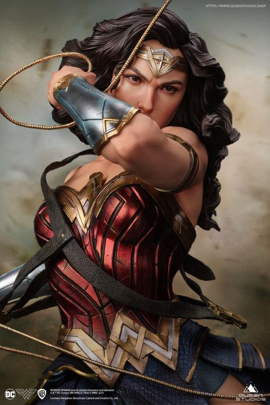 Wonder Woman statue 1:4  + bonus Sword and Shield - Queen Studios