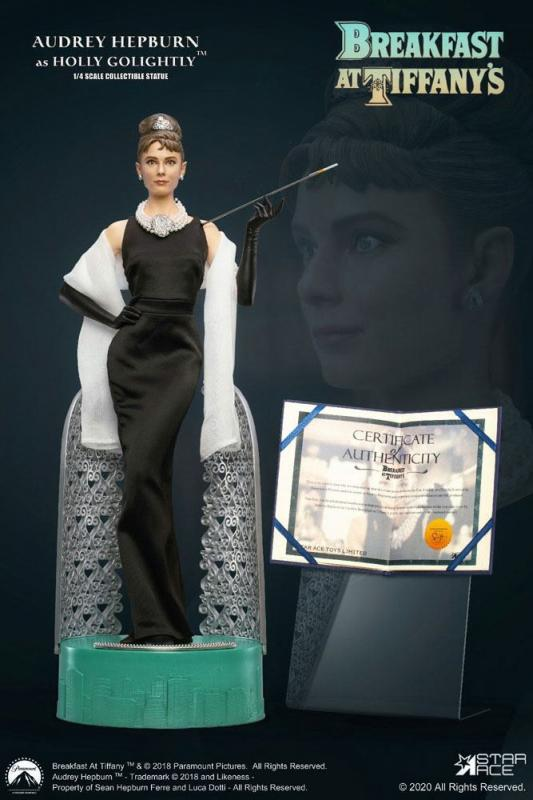 Breakfast at Tiffany's: Holly Golightly 1/4 Statue Deluxe Ver. - Star Ace Toys
