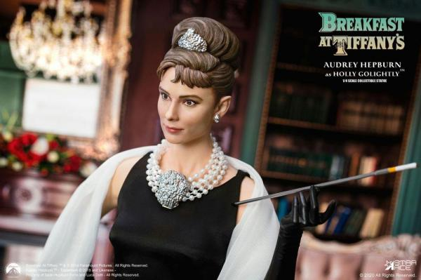 Breakfast at Tiffany's: Holly Golightly 1/4 Statue - Star Ace Toys