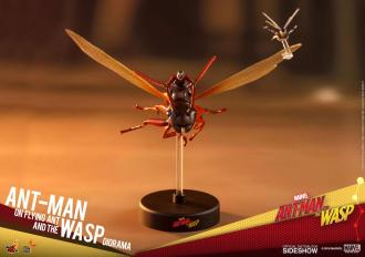Ant-Man & The Wasp MMS Compact Series Diorama Ant-Man on Flying Ant and the Wasp 11 cm