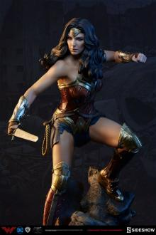 Batman v Superman Premium Format Figure Wonder Woman