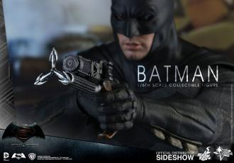 Batman v Superman Action Figure 1/6 Batman + TECH COWL
