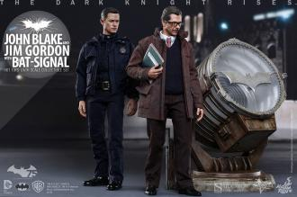 TDKR 1/6 John Blake & Jim Gordon with Bat-Signal 30 cm