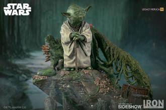 Star Wars Episode V Legacy Replica Statue 1/4 Yoda 30 cm