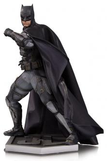 Justice League Movie Statue Tactical Suit Batman 33 cm