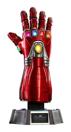 Avengers Endgame: Nano Gauntlet 1/1 Replica - Hot Toys